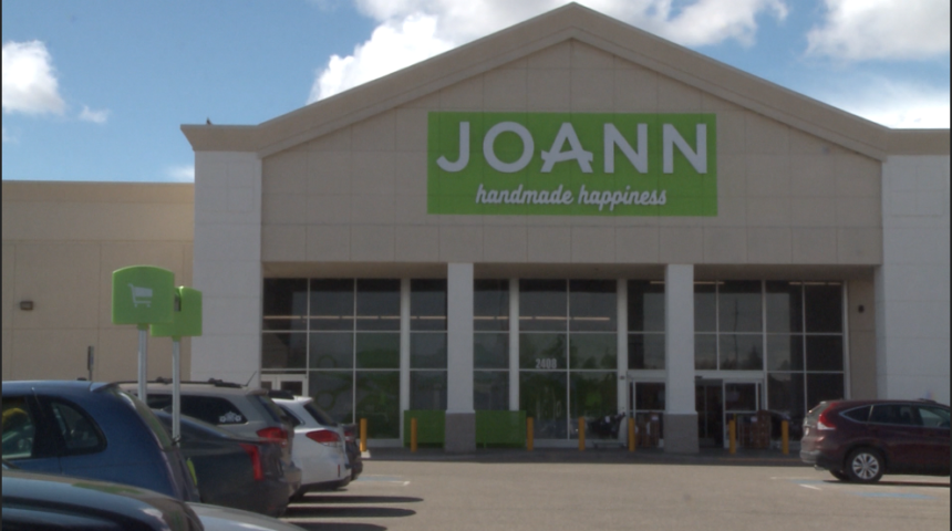 Joannes-Fabric-stores-offer-a-community-project-to-support-hospitals
