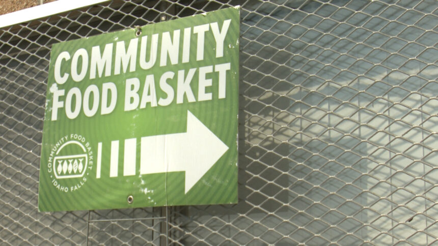 community-food-basket logo-008766