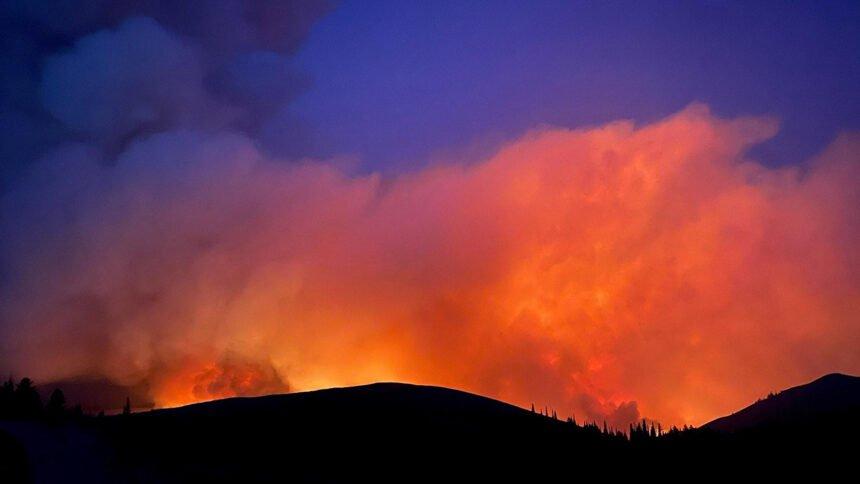 Badger Fire Night 9.14_inciweb