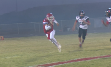 #7 Hunter Roche runs for the touchdown in Marsh Valley win