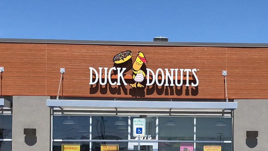 2Duck Donuts opens Ammon location