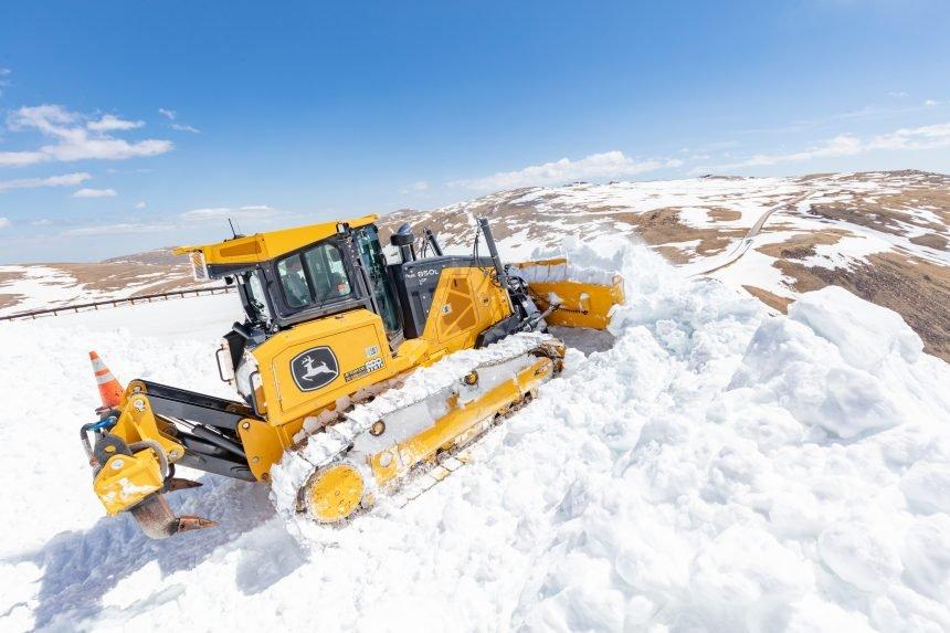 Plowing Beartooth Highway 2021 (13)