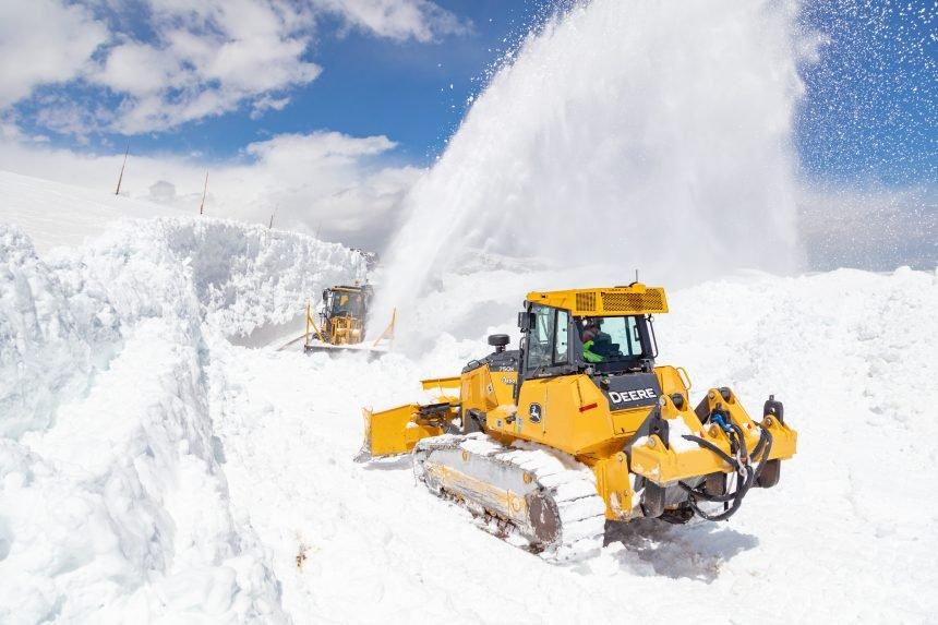 Plowing Beartooth Highway 2021 (18)