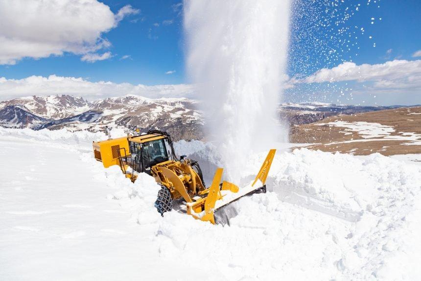 Plowing Beartooth Highway 2021 (5)