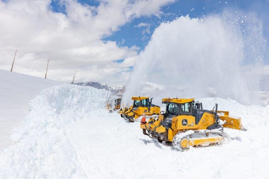 Plowing Beartooth Highway 2021 (9)