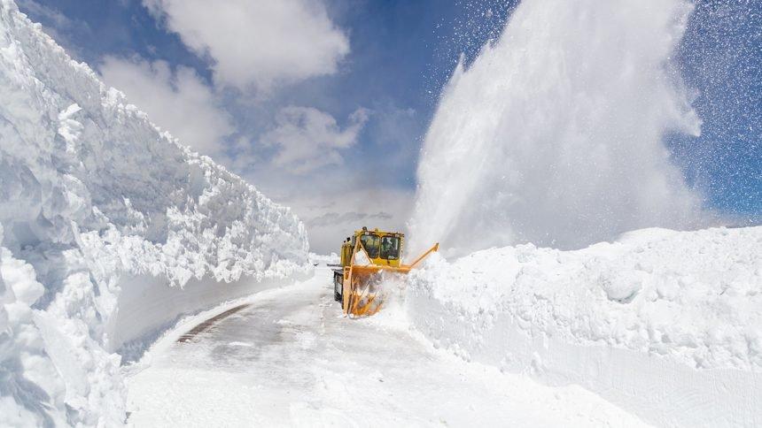 Plowing Beartooth Highway NPS : Jacob W. Frank