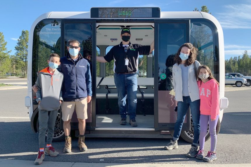 Yellowstone National Park unveils automated electric cars2