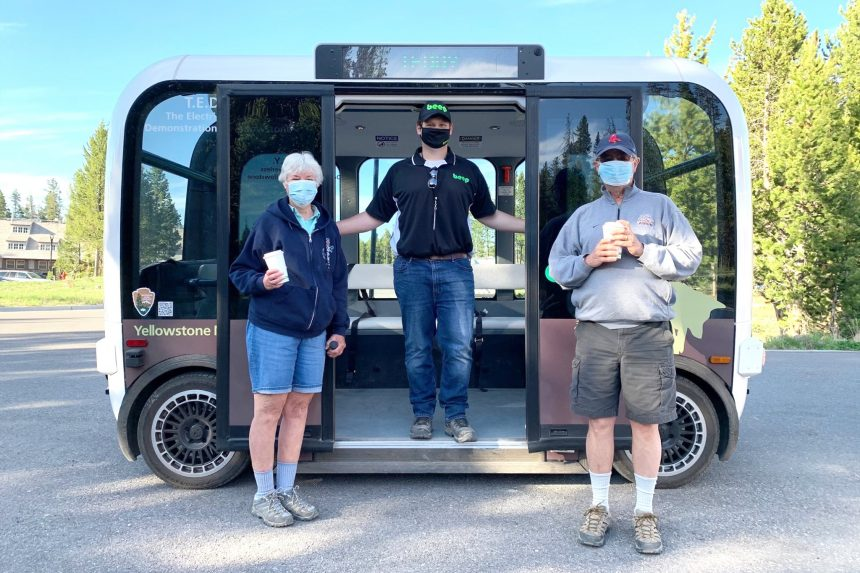 Yellowstone National Park unveils automated electric cars4