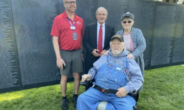 Sen. Jim Risch poses with Vietnam Veteran Fred Saunders at The Wall That Heals
