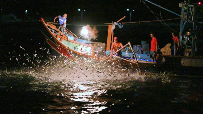 "Taiwan's last remaining ""fire fishing"" boat."