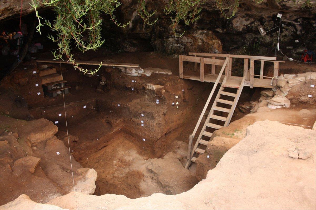 <i>Contrebandiers Project</i><br/>Entrance to Contrebandiers Cave